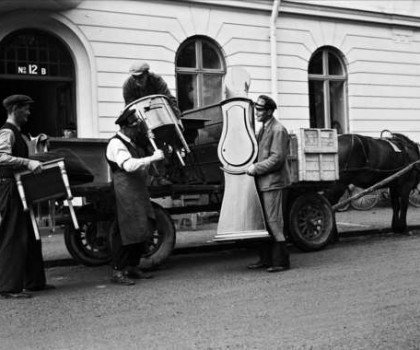 Flytt med häst och vagn
